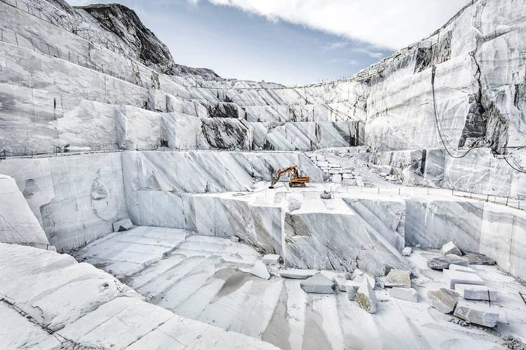 Carrara sarebbe valsa una messa