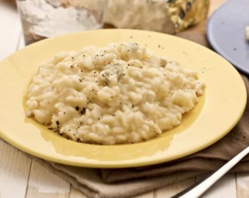 Noi il risotto lo mangiamo a casa